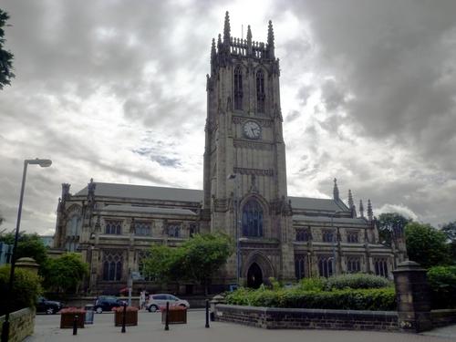 Leeds Parish Church,教堂,拍摄光线的问题让这座教堂看起来很诡异……