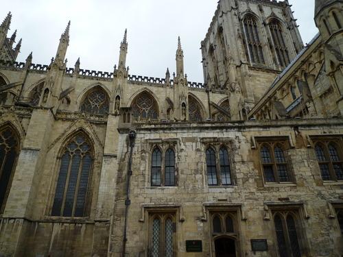 Minster 大教堂的一部分主体,它被看作是欧洲最美丽的哥特式教堂之一
